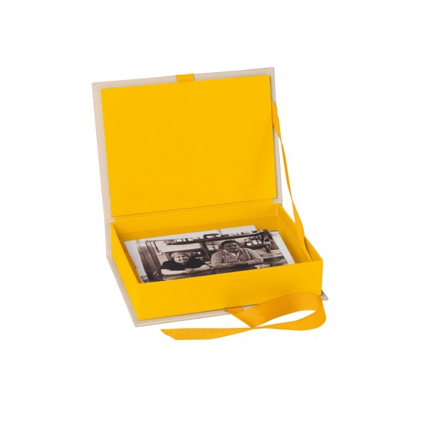 Fotobox gelb